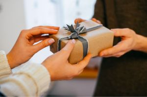 business-gift-giving-in-singapore